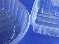 Bandejas plásticas aptas microondas o livianas