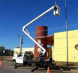 Elevador Hidraulico montado sobre camión